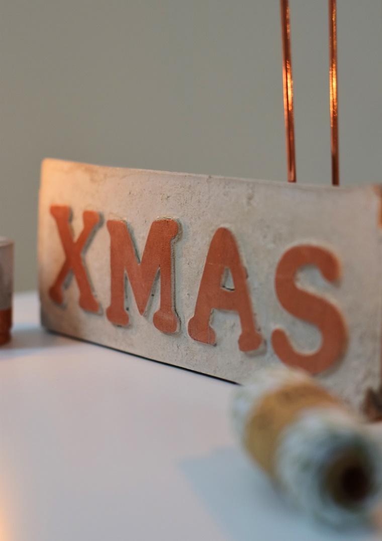 DIY Anleitung Tutorial Weihnachtsdeko basteln aus Beton Kupfer XMAS Schild